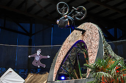 Swatch Rocket Air Finals - Photo Epic