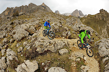 Pinkbike Poll: Who Has the Right of Way - the Climber or the Descender?