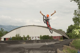Video: Velosolutions New Asphalt Pump Track and BMX track in Switzerland