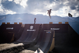 Video: Big Tricks on Contest Day - Suzuki Nine Knights 2015
