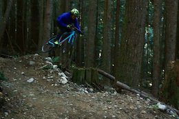 Shredding Downhill on a CX Bike with Yoann Barelli - Video