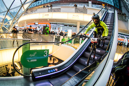 Hardtails and Slicks at DownMall Frankfurt - Video