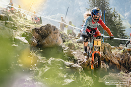 More Cowbell: Practice - Lenzerheide DH World Cup 2016