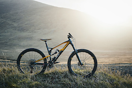 Building the Dream Enduro Bike, Episode Four – Video