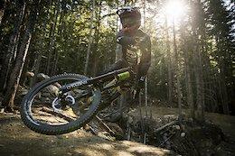Rémy Métailler Speeds Up The Whistler Mountain Bike Park - Video