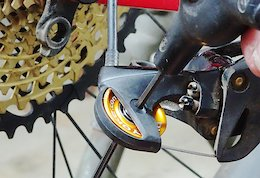 Bike Yoke Shifty: SRAM Derailleur Upgrade - Review
