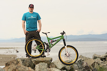 Ryan Berrecloth signs with Knolly Bikes