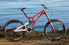 2011 Santa Cruz Carbon v10 - Images and Specs
