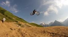 Video: Andreu Bombing Les 2 Alpes