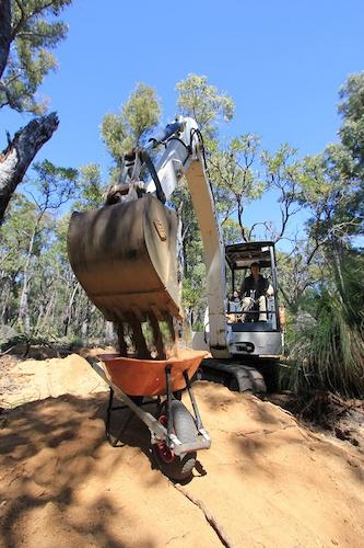 Lovin Shovels in Perth AUS in the Kalamundu Trails.