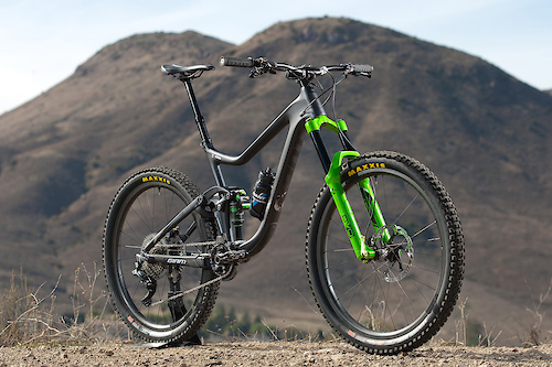 Josh Carlson and Mckay Vezina will contend the complete Enduro World Series on their DVO-equipped Reign Advanced race bikes.